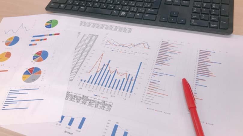 企業価値を見たいなら、過去の財務諸表や事業計画をそのまま信じてはダメ。一時発生収益・費用の影響を取り除き調整後EBITDAで過大評価を防ぐ